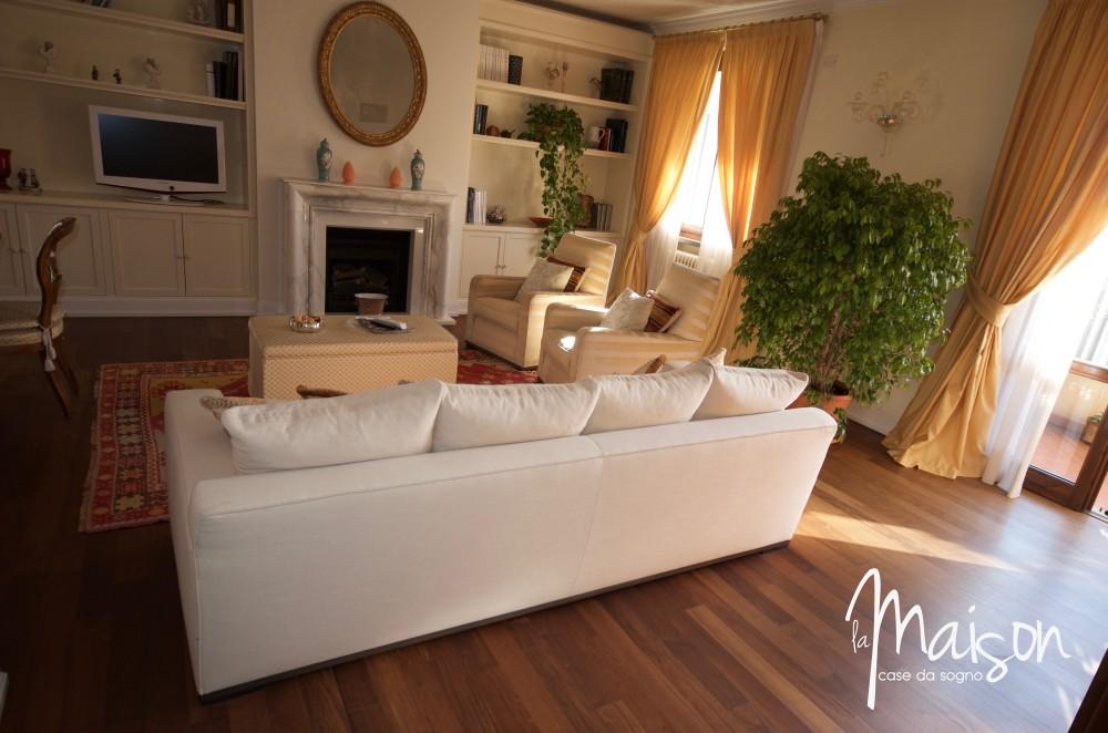 La castellina signorile appartamento con mansarda l 39 agenzia 2 0 per la casa dei tuoi sogni - Interni case da sogno ...
