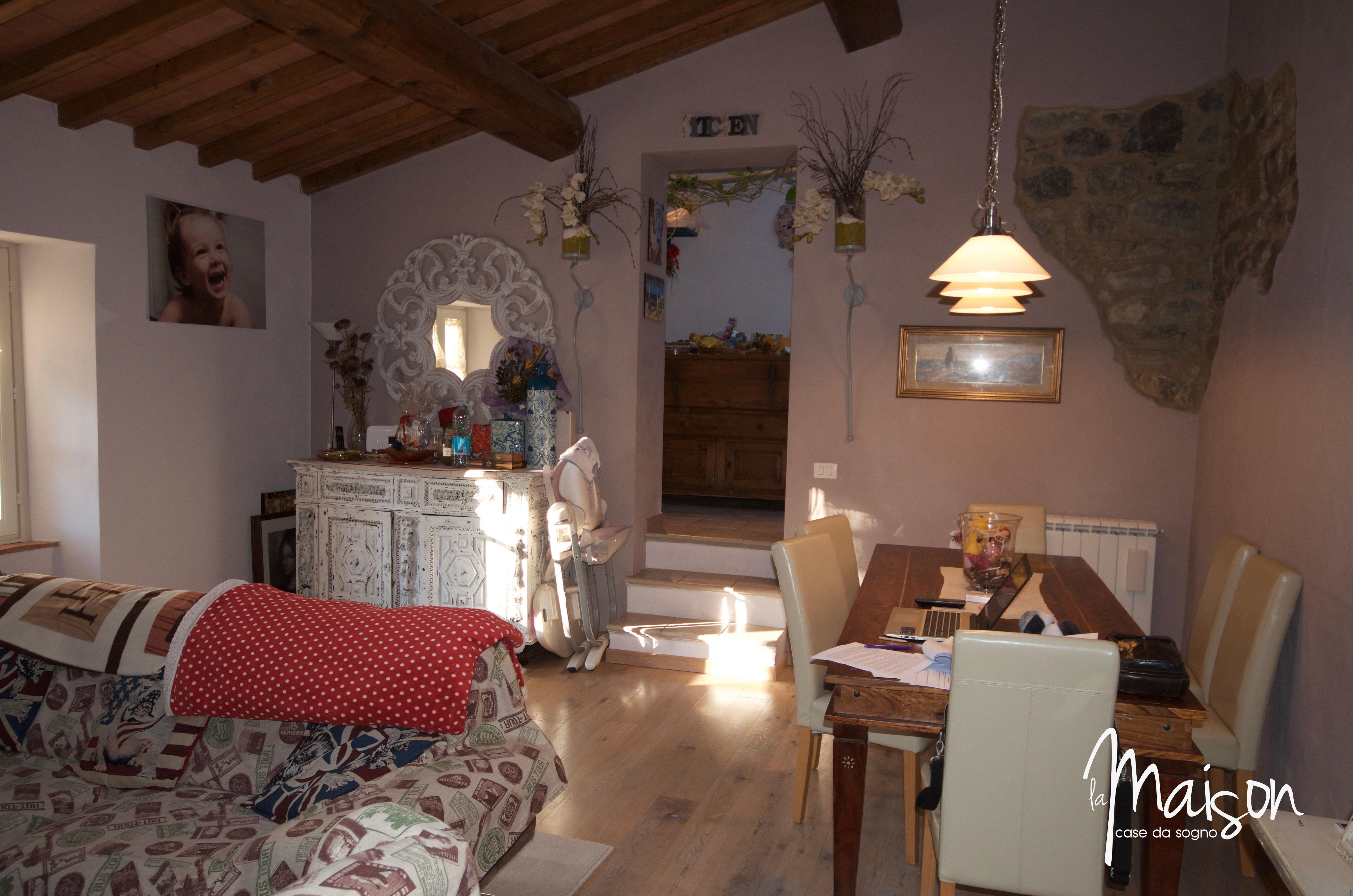 casa vendita vaiano colonica la maison case da sogno agenzia immobiliare prato22 l 39 agenzia 2 0. Black Bedroom Furniture Sets. Home Design Ideas