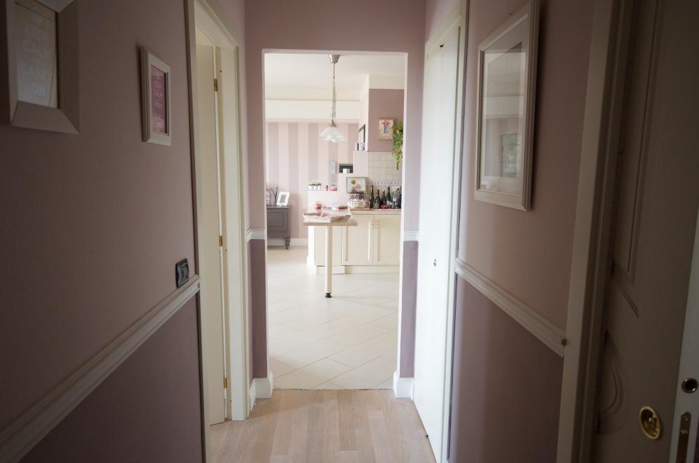 Arredamento Bianco E Parquet: Oltre idee su arredamento con divano ...