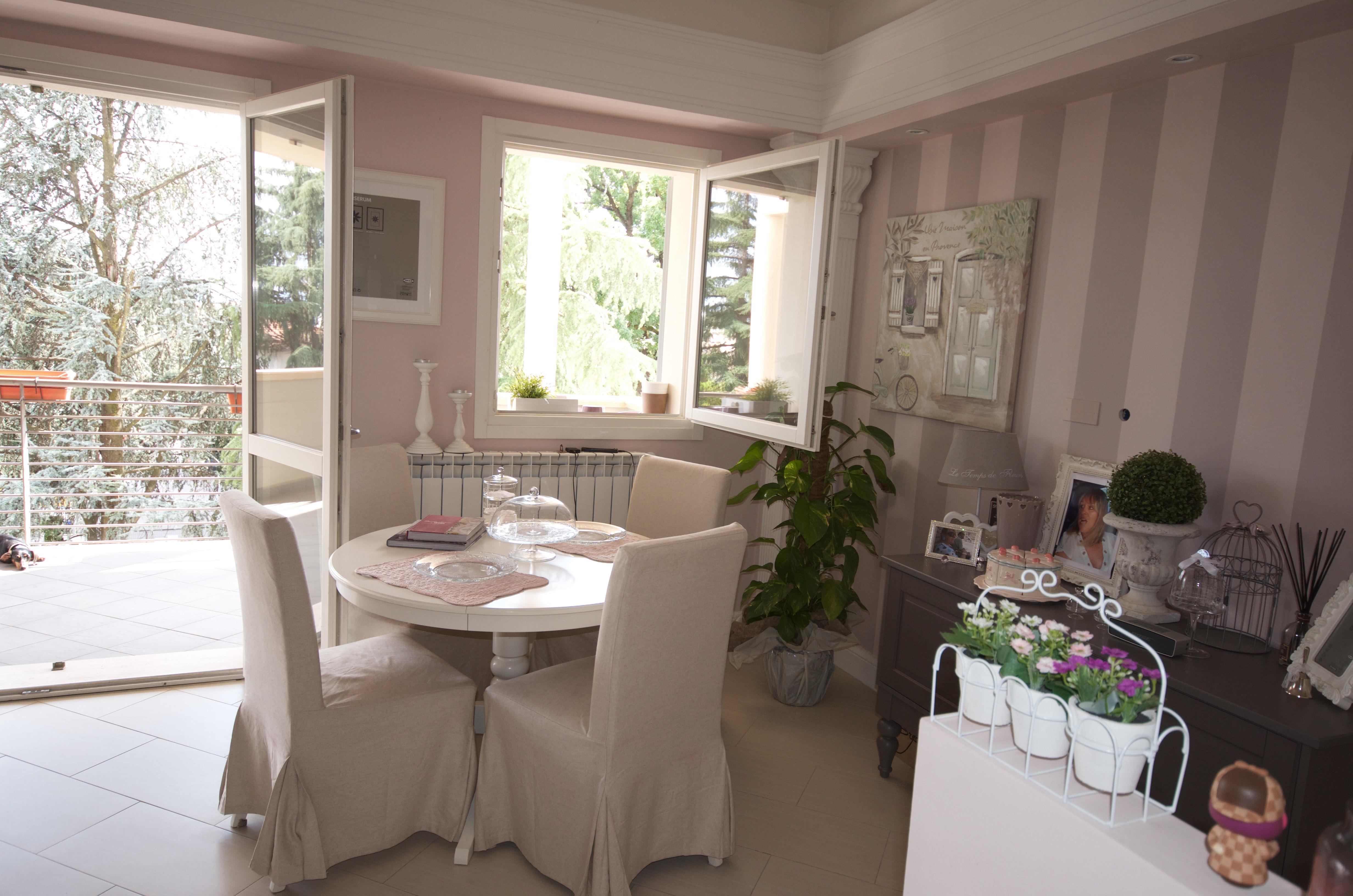 A casa di mariella l 39 agenzia immobiliare per la casa dei for Interni case bianche