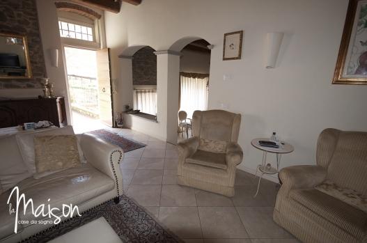 vendesi colonica vaiano agenzia immobiliare la maison case da sogno prato04
