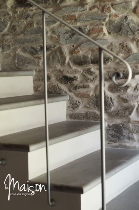 vendesi colonica vaiano agenzia immobiliare la maison case da sogno prato23