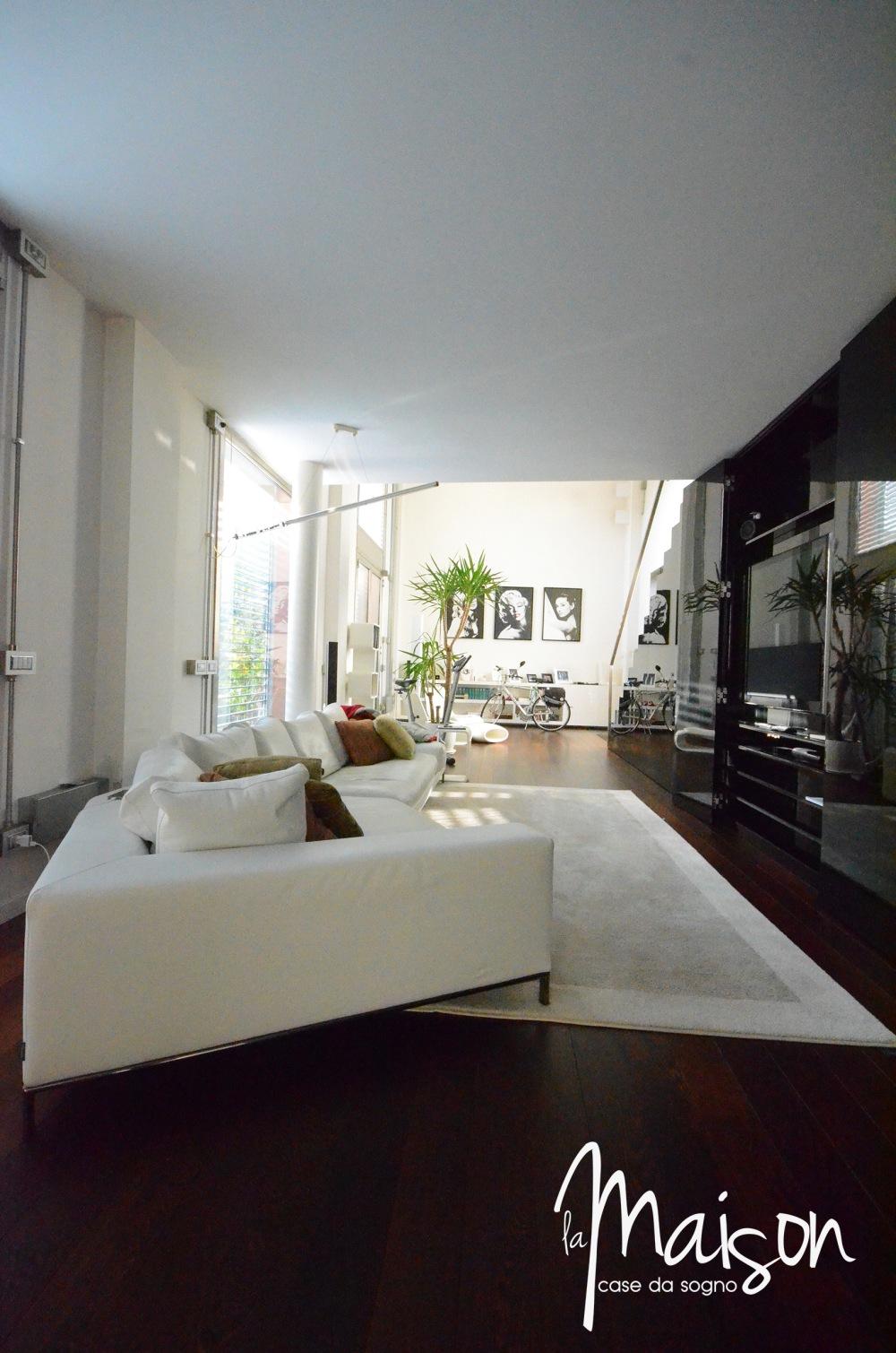 loft in vendita a prato case vendita prato studio immobiliare santa lucia agenzia immobiliare la maison case da sogno prato loft con giardino06.JPG