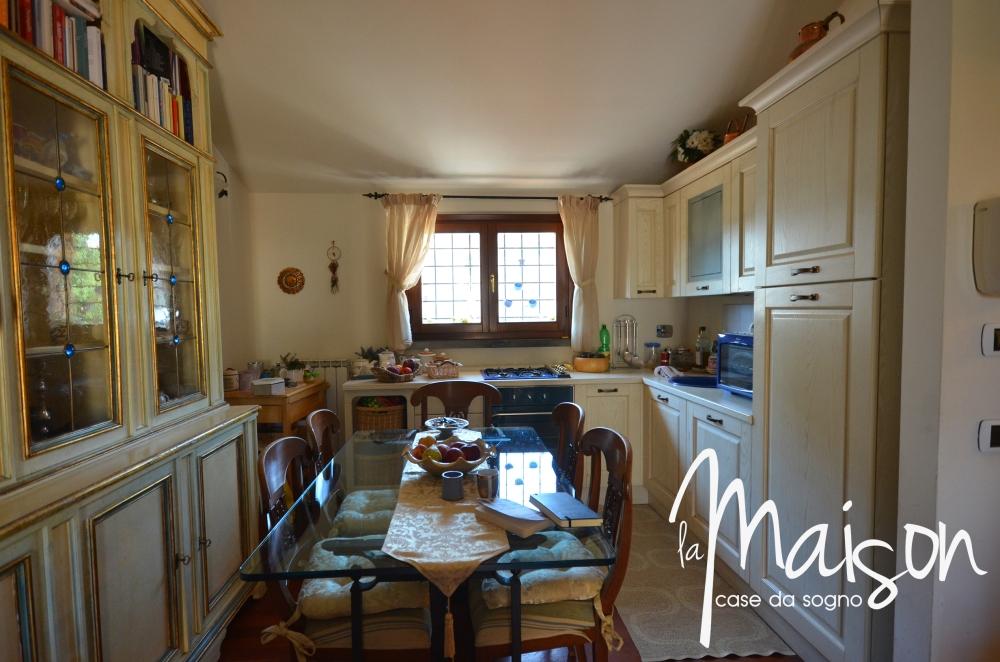 vendesi appartamdento prato san martino coiano bilocale 2 vani con garage agenzia immobiliare la maison case da sogno studio immobiliare santa lucia prato04