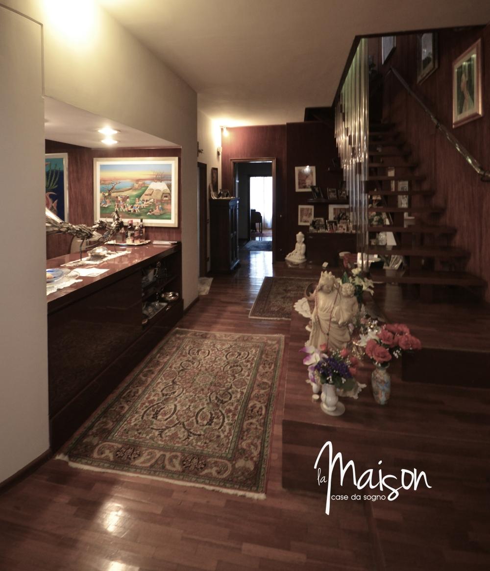 vendesi attico prato viale montegrappa appartamento la maison case da sogno studio immobiliare santa lucia prato est vendita case prato 1.JPG5
